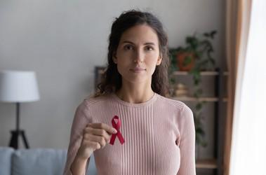 Wirus HIV – jak dochodzi do zakażenia?
